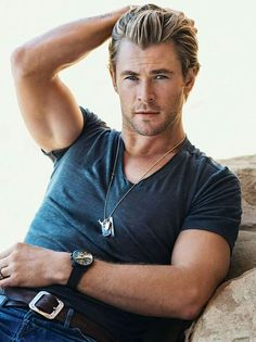 GQ Magazine: The Clothes That Make the Manliness: Chris Hemsworth Chris Hemsworth Thor, Age Of Ultron, Jeremy Renner, Chris Pratt, Chris Evans, Adolescents Sexy, The Manliness, Hemsworth Brothers, Mode Man