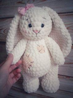 Mesmerizing Crochet an Amigurumi Rabbit Ideas. Lovely Crochet an Amigurumi Rabbit Ideas. Crochet Bunny Pattern, Crochet Teddy, Crochet Animal Patterns, Crochet Bear, Stuffed Animal Patterns, Crochet Patterns Amigurumi, Crochet Gifts, Cute Crochet, Crochet Dolls