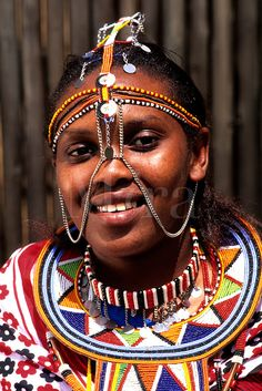 Women in colorful traditional beads Masai tribe in Kenya Africa African Tribes, African Women, African Art, Masai Tribe, Face Drawing Reference, Lion King Jr, Tribal Community, Tribal Costume, Kenya Africa