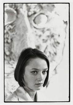 Niki de Saint Phalle, modelo, cineasta, pintora y pionera escultora, que literalmente rompió moldes en la segunda mitad del siglo XX.