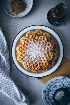 die besten 25 waffelteig rezept einfach schnell ideen auf pinterest cr pe rezepte yam yam. Black Bedroom Furniture Sets. Home Design Ideas