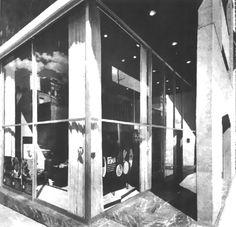Vista del espacio comercial en la planta baja, Edificio de oficinas, Praga 24 esq. Dresde, Juárez, Cuauhtémoc, México DF 1966, Arq. Antonio Peyri - View of the comercial space on the ground floor, Office building, Praga 24 at Dresde, Zona Rosa, Mexico City 1966