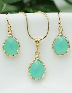 Mint + Gold // LOVE these colors!
