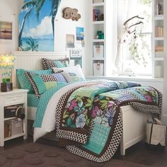 White Based Teen Boy Bedroom Ideas With Surf Theme Teen Furniture, Girls Bedroom Furniture, Bedroom Themes, Bedroom Decor, Bedroom Ideas, Bath Decor, Bedroom Inspo, Bedroom Designs, Surf Bedroom