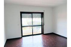 Apartamento - T2 - Venda - Vilar de Andorinho, Vila Nova de Gaia - 123631156-1