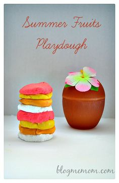 Homemade playdough recipe with summer fruits Summer Fun For Kids, Summer Activities For Kids, Crafts For Kids, Daycare Crafts, Make Your Own Playdough, Homemade Playdough, Cloud Dough Recipes, Slime Recipe, Play Recipe