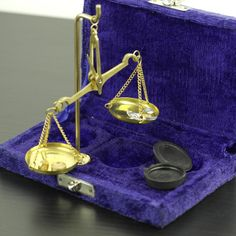 Vintage Brass Weighing Scales for Jewellery with Original case great gift