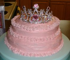 Pink Princess Cake---hmmm maybe we can do this for miss princess' 4th Birthday!