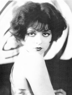 The It Girl Clara Bow Hollywood Vintage by ThePreciousPast Flapper Girls, 1920s Flapper, Flappers 1920s, Old Hollywood, Hollywood Glamour, Hollywood Actresses, Silent Film Stars, Movie Stars, Vintage Photographs