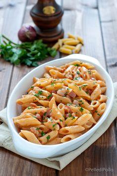 Penne al baffo, con salsa cremosa semplicissima e pancetta a cubetti, #primopiatto veloce e gustoso #ricette #pasta #pennealbaffo #createtoinspire