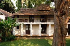 Village House Design, Kerala House Design, Village Houses, Modern House Design, Modern Tropical House, Tropical Houses, Tropical Architecture, Architecture Design, Kerala Architecture
