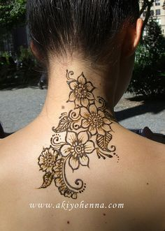 Neck henna. Perfect for me in the summertime.