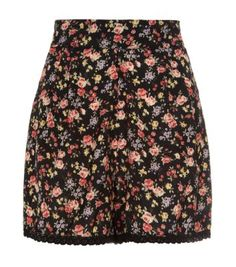 Black Ditsy Floral Crochet Hem Shorts from New Look. Shop more products from New Look on Wanelo. Ditsy Floral, Street Outfit, Chic Dress, Rock, New Look, Ideias Fashion, Fashion Online, Latest Trends, Fashion Beauty