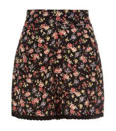 Black Ditsy Floral Crochet Hem Shorts @New Look