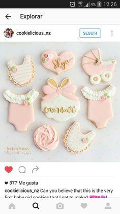 Baby Shower Cupcakes, Shower Cakes, Royal Icing Cookies, Sugar Cookies, Galletas Decoradas Baby Shower, Bolo Hello Kitty, Baby Girl Cookies, Cute Cookies, Heart Cookies