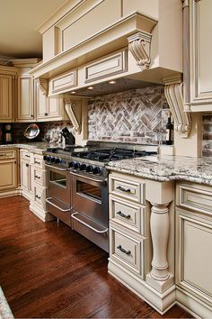 25 french country kitchen design ideas to inspire you 46 raquo Homedesignwae com French Country Kitchen, Luxury Kitchens, Kitchen Remodel, Elegant Kitchens, Country Kitchen Designs, Home Kitchens, Kitchen Renovation, Kitchen Design, French Country Kitchens