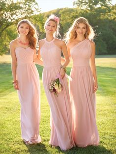 Are you looking for the perfect bridesmaids dresses to compliment your oh so romantic bridal gown? If so, you must have your girls wear this floor-length bridesmaid dress! This light pink gorgeous sleeveless dress is complete with a pleated bodice, side pleats and a invisible back zipper!  #camillelavie