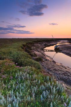 Morston - Norfolk's Coast (Wells, Blakeney and to the north) Norfolk Beach, Norfolk Coast, Norfolk England, Norfolk Cottages, Road Trip Uk, Norfolk Holiday, Norfolk Broads, Norwich Norfolk, English Countryside