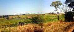 Vista de área industrial e Furnas em Tanquinho.