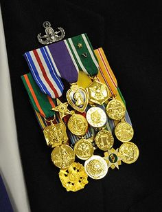 This is real pride Us Military Medals, Us Veterans, Fight For Us, Us Army, Pride, Hero, Charmed, Fall, Autumn