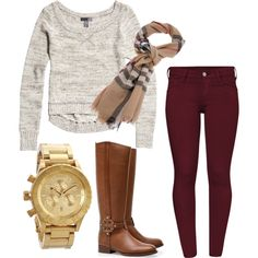 Tan/camel sweater, maroon skinnies, brown boots. I'm just a little obsessed with maroon pants right now v