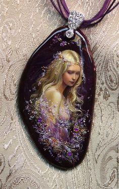 Купить или заказать Кулон ' Нежность' в интернет-магазине на Ярмарке Мастеров. Лаковая миниатюрная живопись на камне.