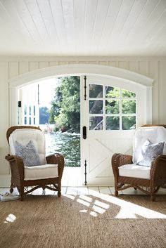 Coastal Style: The Perfect Boathouse/Love those beefy cushions with trimmed edges