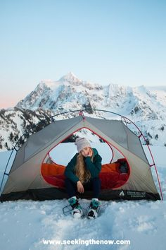 OMG! These are the absolute best backpacking trails in Washington! I recommend every hiker to try these backpacking trails near Seattle! #backpackingtrails #backpacking #backpackinginWashington Backpacking Checklist, Backpacking Trails, Adventure Aesthetic, Wanderlust, Adventure Photography, Adventure Travel, Adventure Quotes, Simple, Washington Hiking