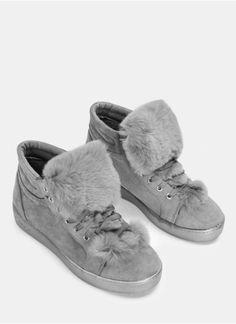 96bcbd70b020b 15 najlepszych obrazów z kategorii Futrzane klapki | Shoe, Shoes i ...