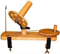 Yarn winder Yarn Winder, Knitting Accessories, Furniture Inspiration, Diy Furniture, Projects, Tricot, Log Projects, Blue Prints, Handmade Furniture