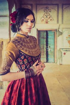 Looks easy to wear and elegant in a more toned-down way ---- OP: Dhruv Singh lehenga and blouse. India Fashion, Ethnic Fashion, Asian Fashion, Patiala Salwar, Anarkali, Lehenga, Traditional Fashion, Traditional Outfits, Indian Attire