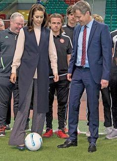 Danish Crown Prince Couple's three (3) day visit to Qatar: Crown Prince Frederik and his wife Princess Mary finished their Saudi Arabia visit and in the evening, they arrived at Qatar together with the Trade mission.