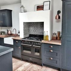 Kitchen Remodel, Grey Kitchen Designs, Open Plan Kitchen Living Room, Kitchen Cabinet Trends, Kitchen Trends, Kitchen Interior, Interior Design Kitchen, Kitchen Dining Living, Kitchen Cabinets Decor