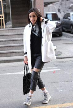 Marais Korea Seoul Brand Korean Fashion Style Simple Minimalist Minimal Black And White Daily