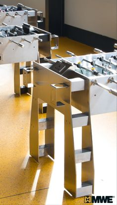 3860 lbs of pure stainless steel – 5 different IRONSTRIKER kicker tables are waiting for collection! Look at this details! All are manufactured by MWE. www.ironstriker.de