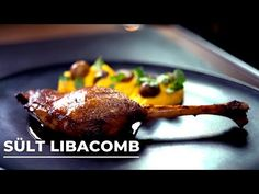 Borbás Marcsi szakácskönyve - Sült libacomb (2020.11.08.) - YouTube Chicken, Teeth, Youtube, Food, Essen, Tooth, Meals, Youtubers, Yemek