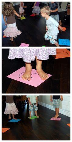 flipflops and applesauce: math fun game for # recognition Kindergarten Math Activities, Preschool Math, Fun Math, Number Activities, Kindergarten Classroom, Preschool Ideas, Sunday School Themes, School Games, Teaching Numbers