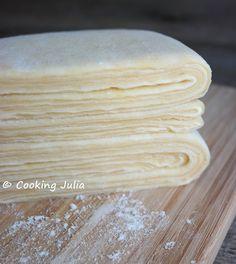 La pâte à couque est une pâte feuilletée levée facile et rapide à faire. Elle permet de réaliser toutes sortes de viennoiseries feuilletées ...