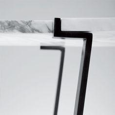 Saumur Table