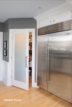 walk in pantry — add frosted glass to the pantry door! This will let the li… walk in pantry — add frosted glass to the pantry door! This will let the light from our window to shine through & light the hallway. - Own Kitchen Pantry Kitchen Pantry Doors, Kitchen Pantry Design, New Kitchen, Glass Kitchen, Kitchen Corner, Kitchen Pantries, Kitchen Builder, Kitchen Ideas, Kitchen Cabinets