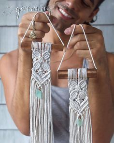 ⭐️ my pals! you and a pal could win this lil pair of pals! here's my challenge for yo ⭐️ giveaway time! ⭐️ my pals! you and a pal could win this lil pair of pals! here's my challenge for yo Macrame Wall Hanging Diy, Macrame Curtain, Macrame Plant Hangers, Micro Macramé, Macramé Art, Macrame Design, Macrame Projects, Macrame Patterns, New Crafts