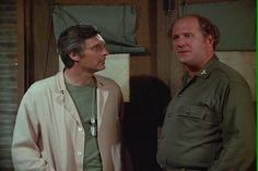 M*A*S*H , Too Many Cooks , 17 September 1979 Season 8 , Episode 1, mash, 4077,, Hawkeye Pierce , Captain Benjamin Franklin Pierce, Alan Alda,  David Ogden Stiers , Major Charles Winchester,