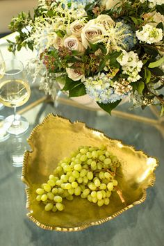 Display fruits, appetizers, or dips on beautiful, metallic, golden trays.