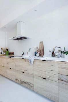 Dark, light, oak, maple, cherry cabinetry and wood kitchen cabinets doors. CHECK PIN for Lots of Wood Kitchen Cabinets. Wood Kitchen Cabinets, Wooden Kitchen, New Kitchen, Kitchen Decor, Kitchen White, Kitchen Ideas, Natural Kitchen, Decorating Kitchen, Decorating Blogs