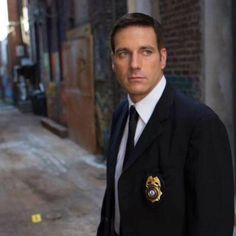 My favorite actor, Carl Marino, portraying Homicide Hunter: Lt. Joe Kenda, Investigation Discovery.