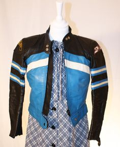 Tiny bikerjacket for rock 'n roll petites Roxy, Rock N Roll, Retro, Jackets, Fashion, Down Jackets, Moda, Rock Roll, Fashion Styles