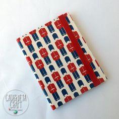 Mini caderneta de capa dura super linda para você presentear quem você ama. #bookbinding #binding #cadernos #caderdoartesanal #cadernetacraft