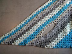 When I got my hands on some of the original Caron Cakes, I knew the first thing I wanted to do was a triangle shawl. To make this pattern a bit more inter Crochet Chart, Crochet Stitches, Free Crochet, Knit Crochet, Crochet Scarves, Crochet Clothes, Crochet Cardigan Pattern, Crochet Patterns, Crochet Prayer Shawls