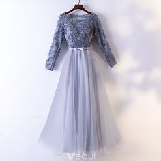 May 2020 - Chic / Beautiful Grey Evening Dresses 2017 A-Line / Princess Lace Flower Appliques Bow Pearl Scoop Neck Backless Long Sleeve Ankle Length Formal Dresses Grey Evening Dresses, Prom Dresses Long With Sleeves, A Line Prom Dresses, Beautiful Prom Dresses, Tight Dresses, Nice Dresses, Short Dresses, Formal Dresses, Dress Long