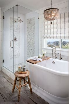 Looking for a small bathroom remodel ideas? Don't worry, we show some of our favorite small bathroom remodel ideas that really work. Get ready to have a small bathroom that looks twice bigger than its original size with Woodoes team! Bad Inspiration, Bathroom Inspiration, Bathroom Ideas, Bathroom Designs, Bathroom Remodeling, Bathtub Ideas, Bathroom Organization, Remodeling Ideas, Bathroom Inspo